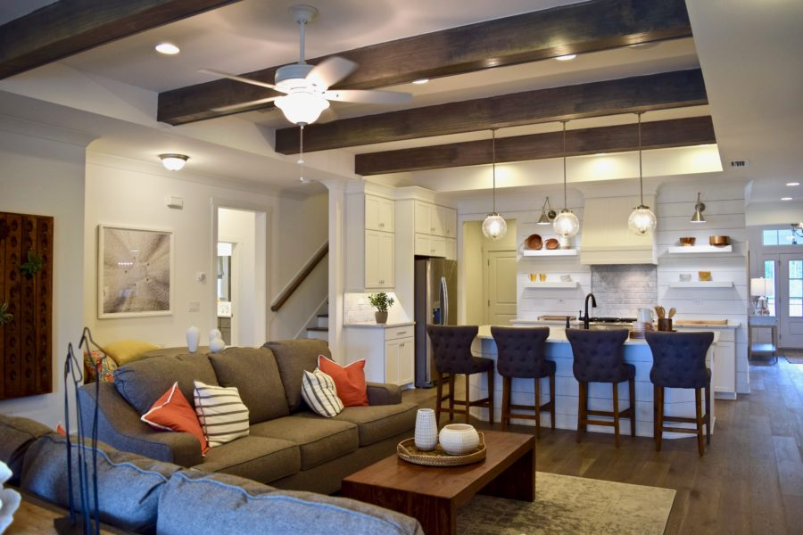 Beacon Lake Homes for Sale Gallery Image 1
